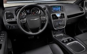 country reviews tc quick review com new for lux spin town and entry chrysler debut models autobytel