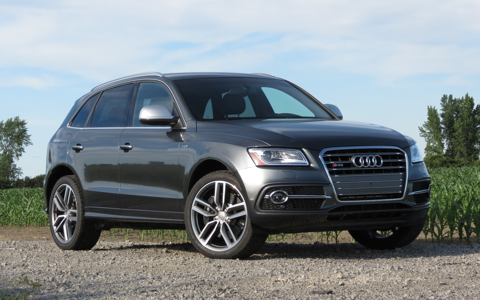 2016 audi q5 photos 1 4 the car guide. Black Bedroom Furniture Sets. Home Design Ideas