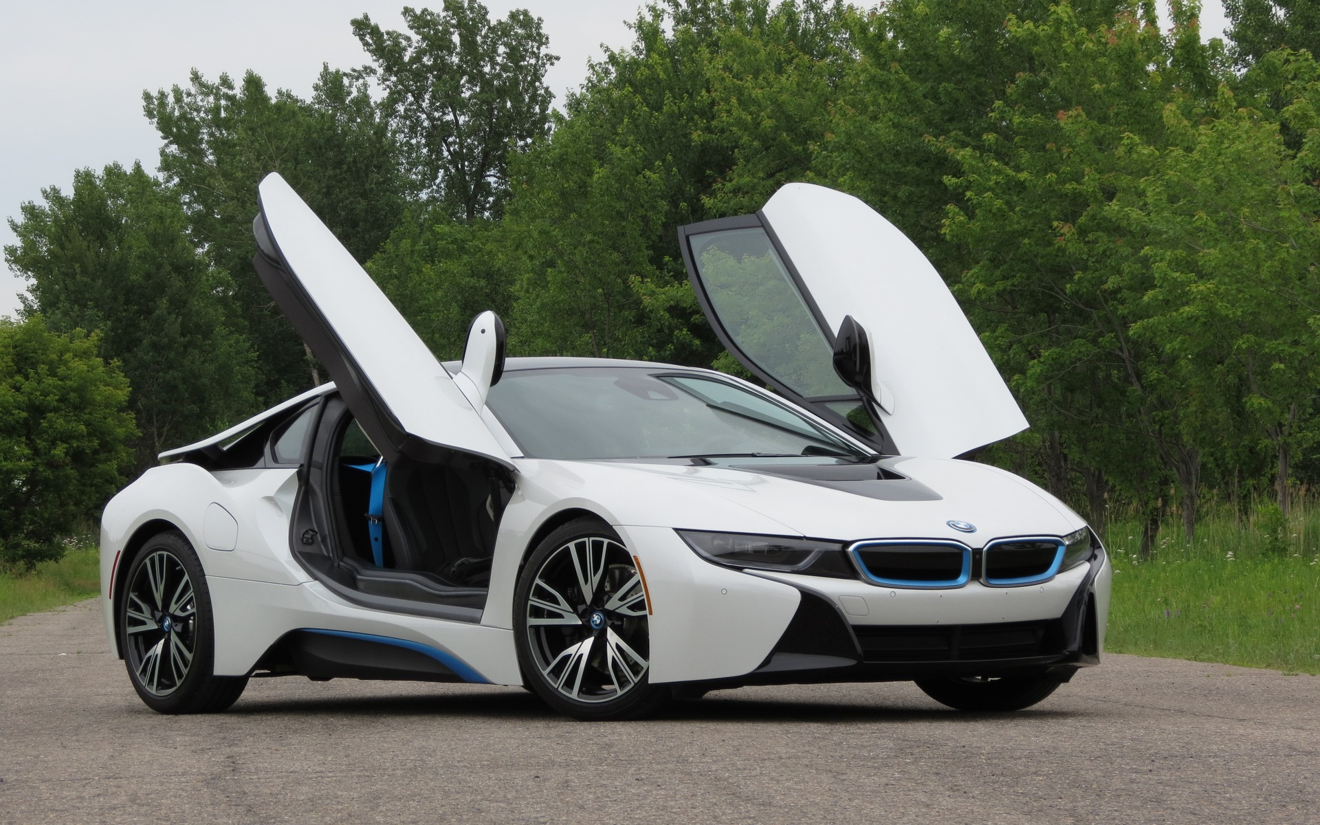 2016 bmw i8 photos 1 5 the car guide. Black Bedroom Furniture Sets. Home Design Ideas