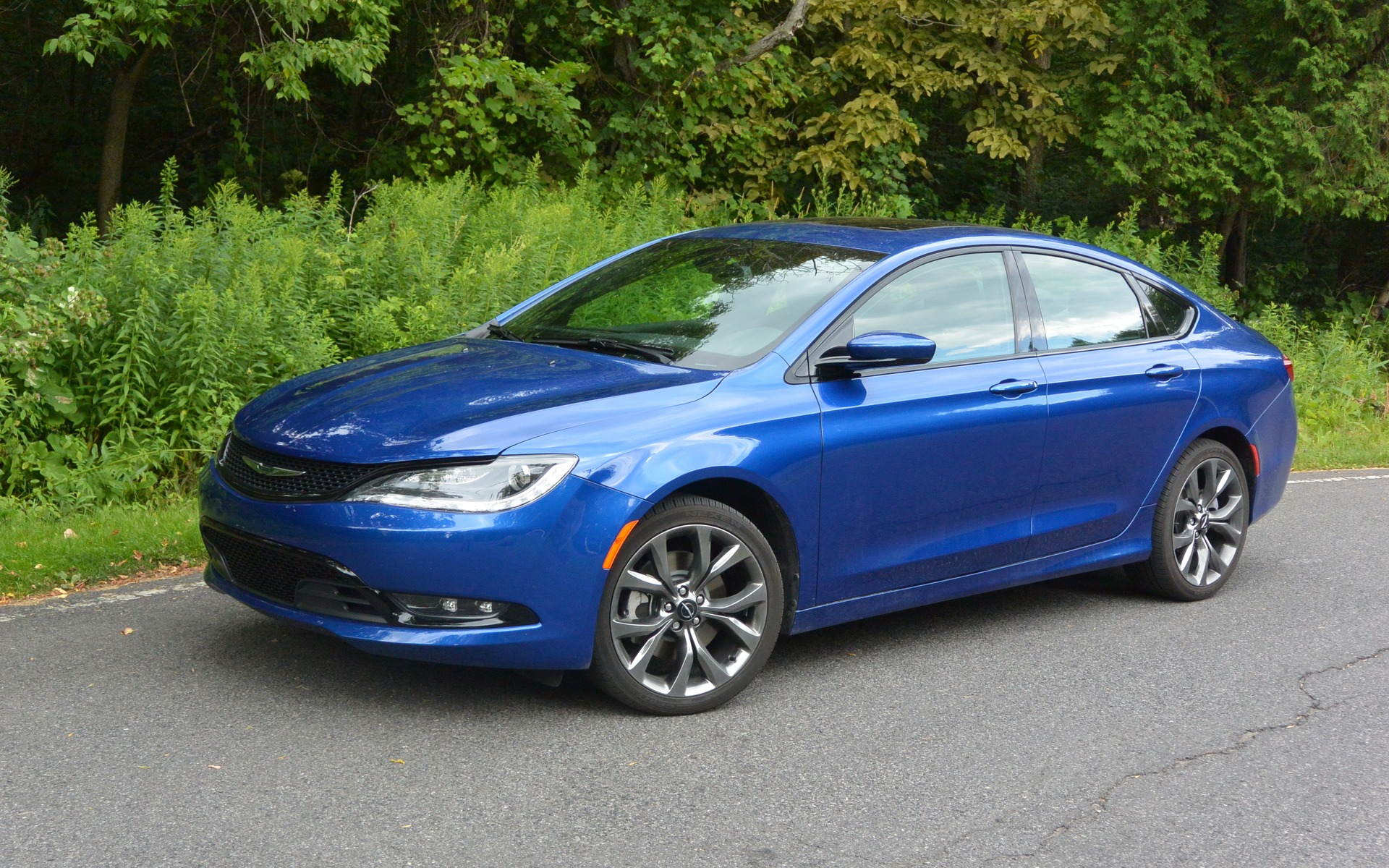 2016 Chrysler 200 News Reviews Picture Galleries And Videos 2015 Jetta Fuse Box Diagram The Car Guide