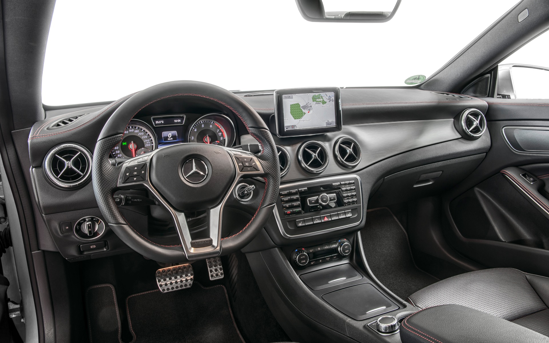 Mercedes Benz Cla >> 2016 Mercedes-Benz CLA-Class photos - 6/6 - The Car Guide