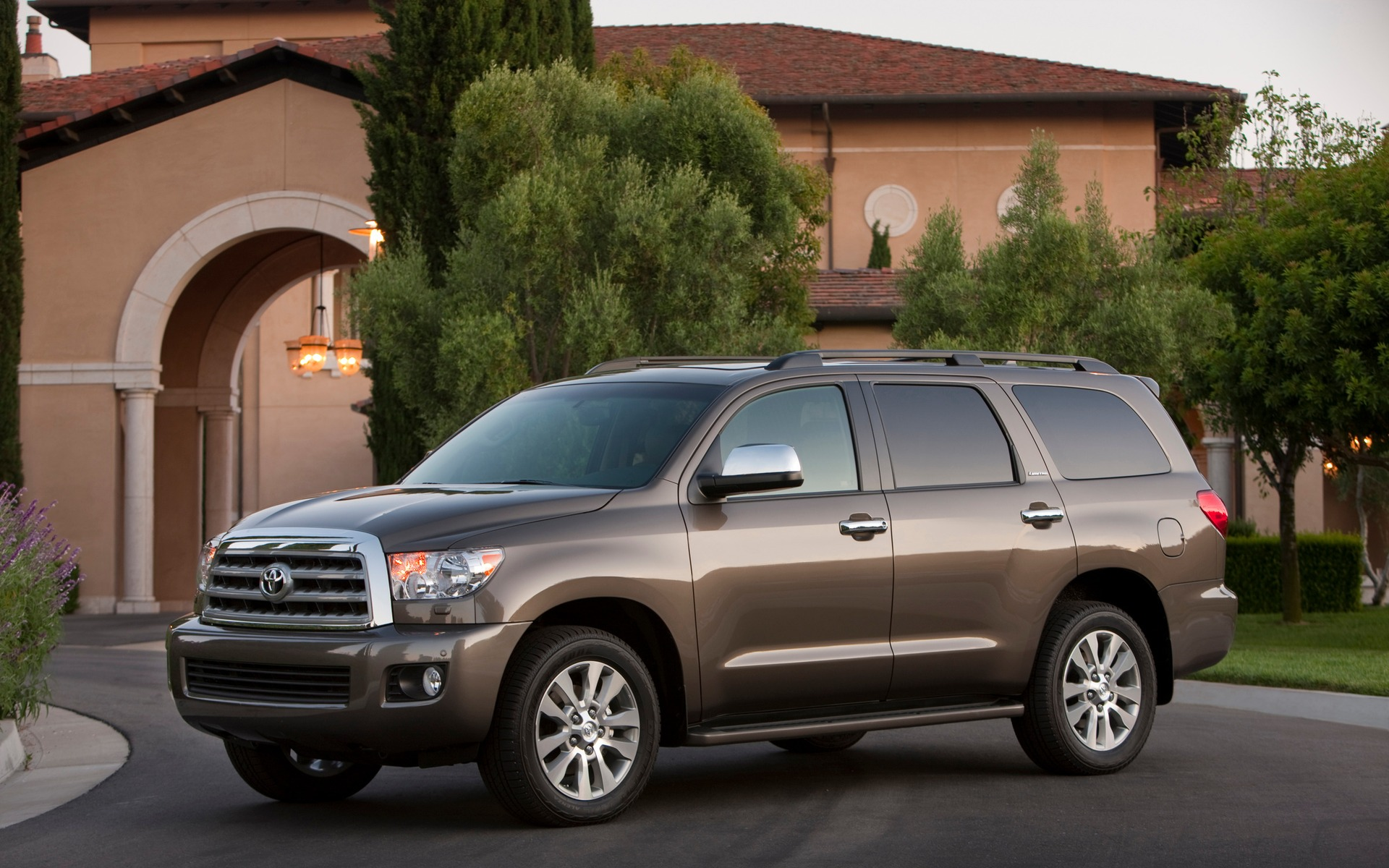2016 toyota sequoia news reviews picture galleries and videos the car guide