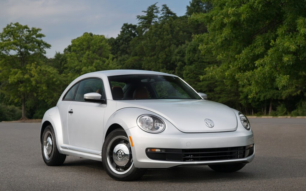 2016 volkswagen beetle news reviews picture galleries and videos the car guide. Black Bedroom Furniture Sets. Home Design Ideas