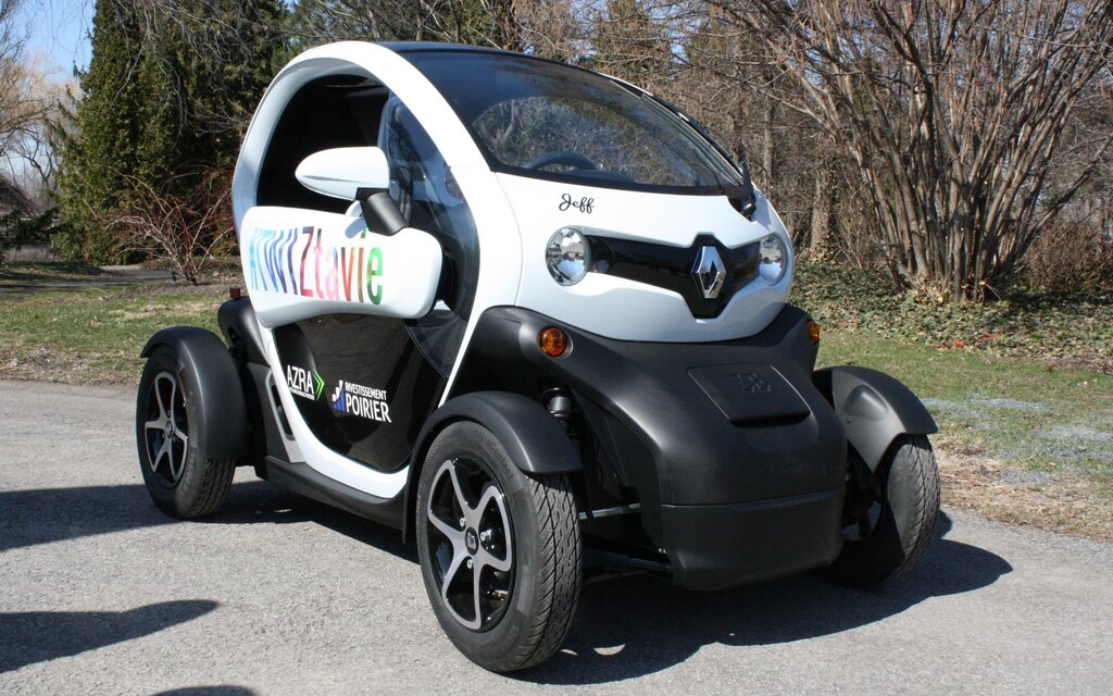 2017 renault twizy 40 specifications the car guide. Black Bedroom Furniture Sets. Home Design Ideas