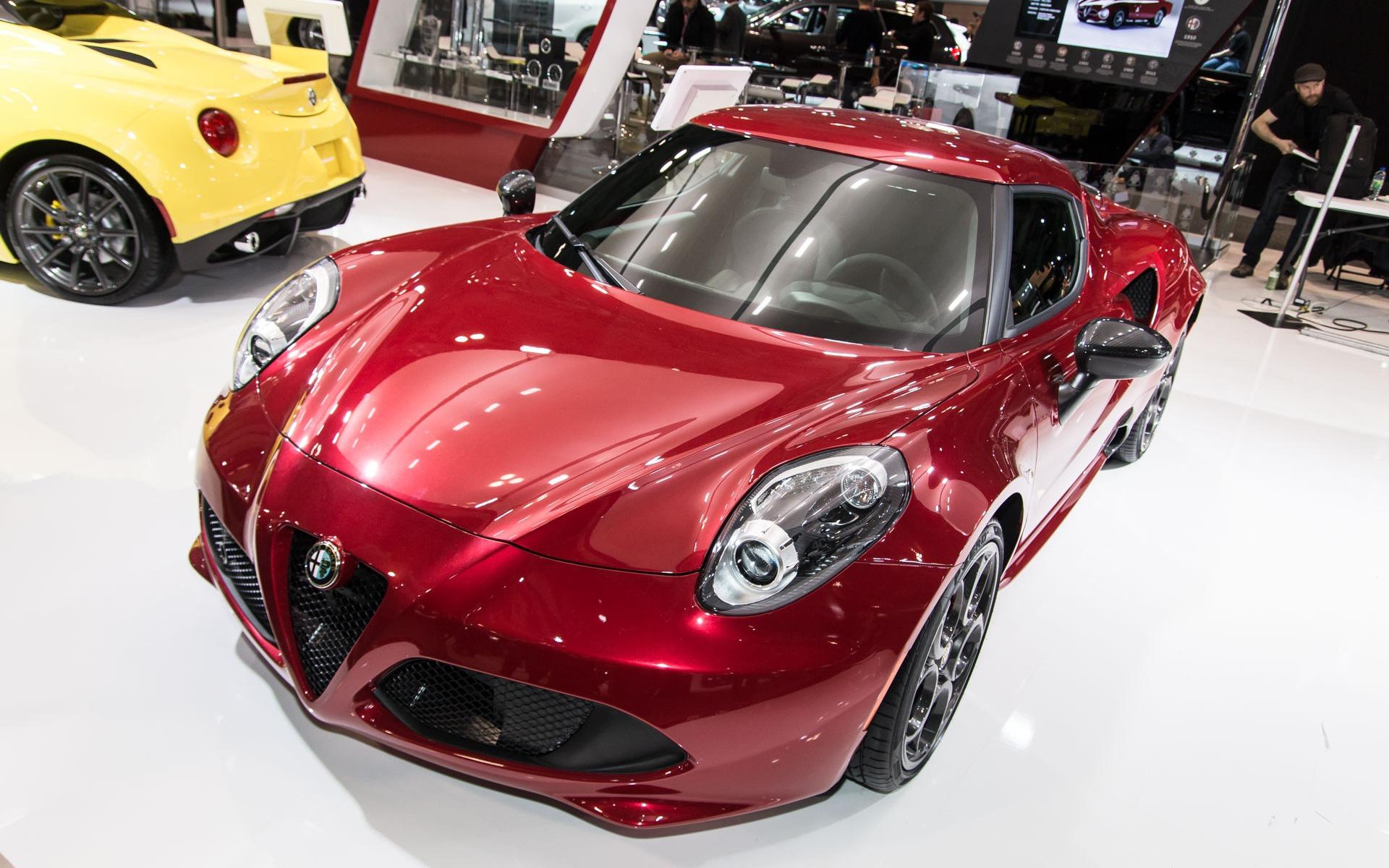 2017 Alfa Romeo 4c >> Photos Alfa Romeo 4C 2017 - 3/6 - Guide Auto