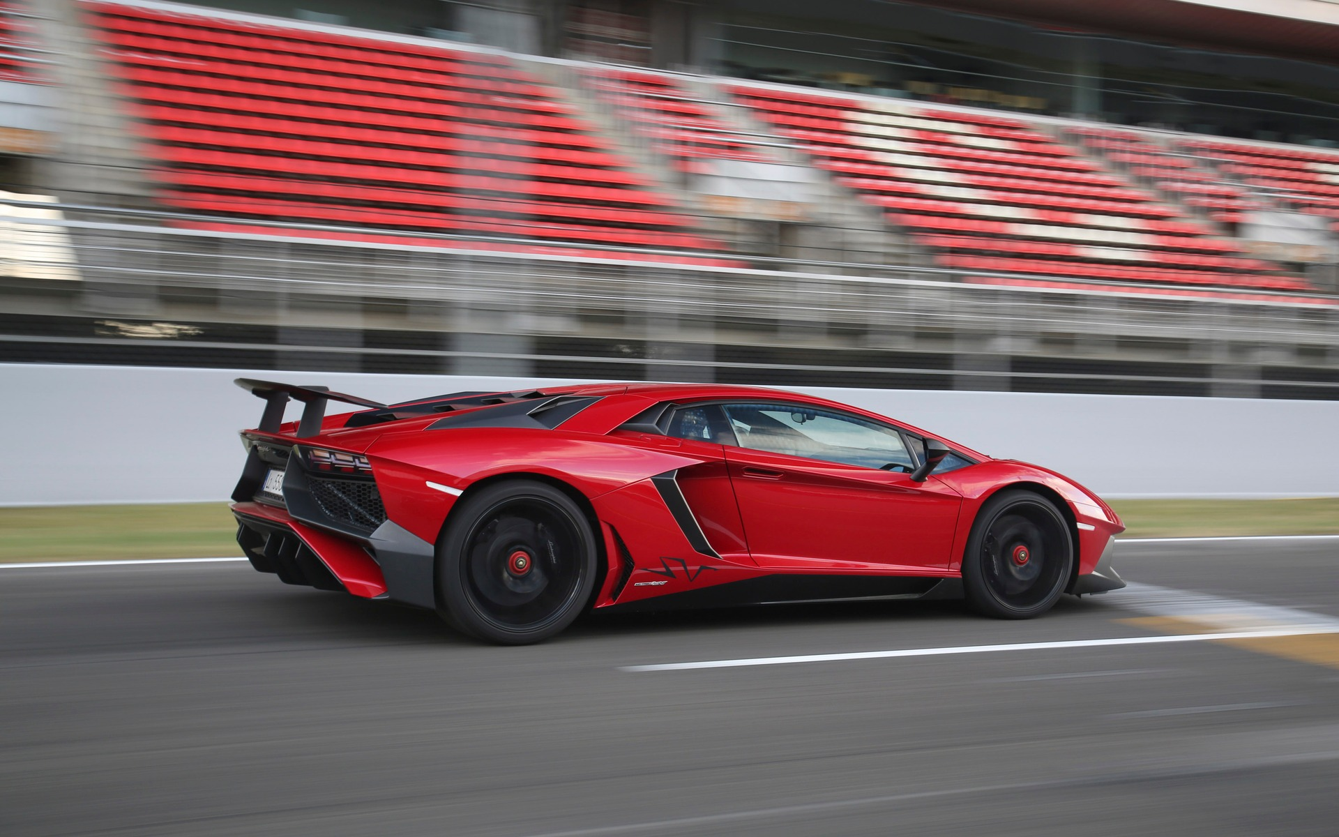 2017 Lamborghini Aventador - News, reviews, picture galleries and ...