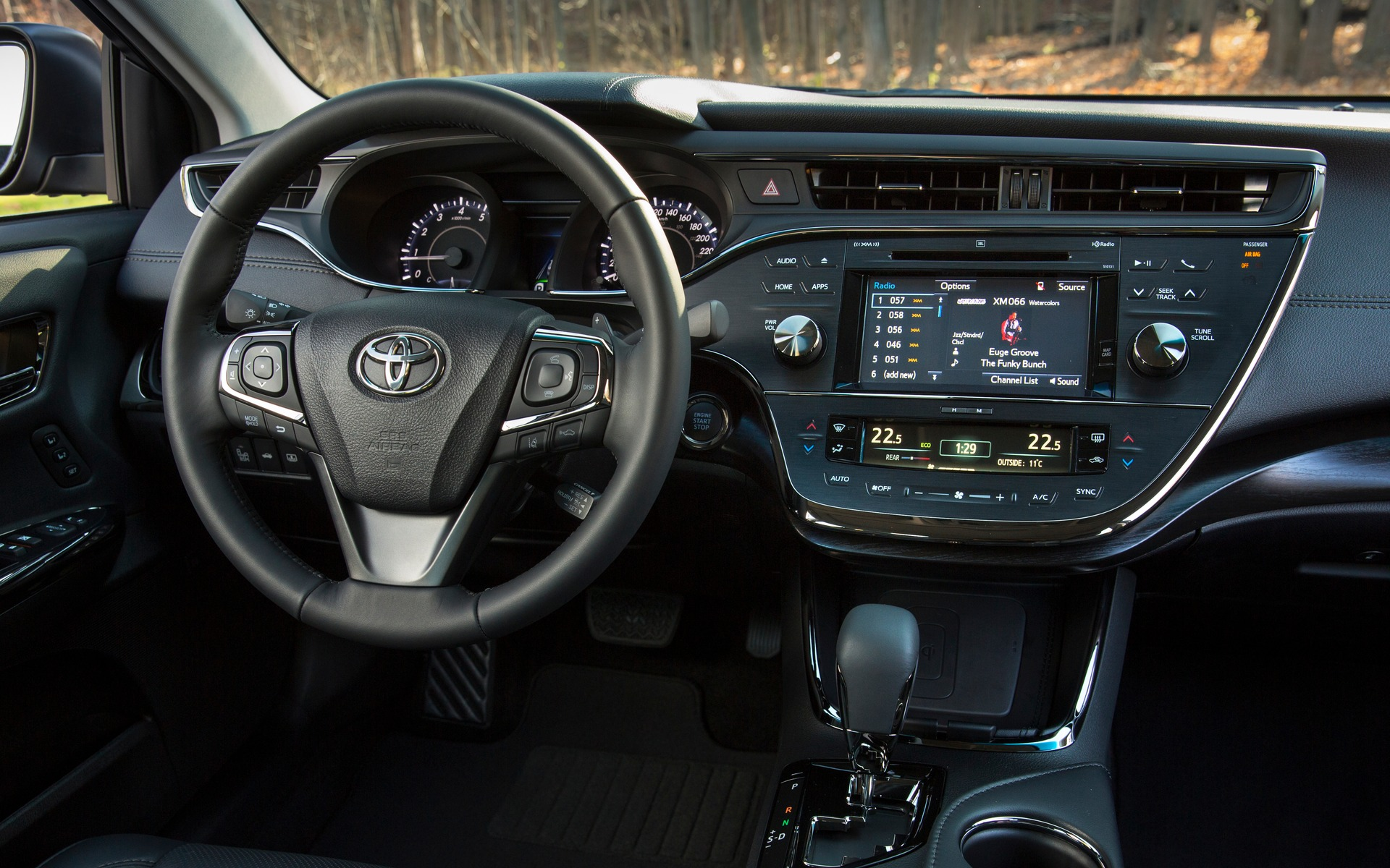 2017 Toyota Avalon photos - 3/14 - The Car Guide