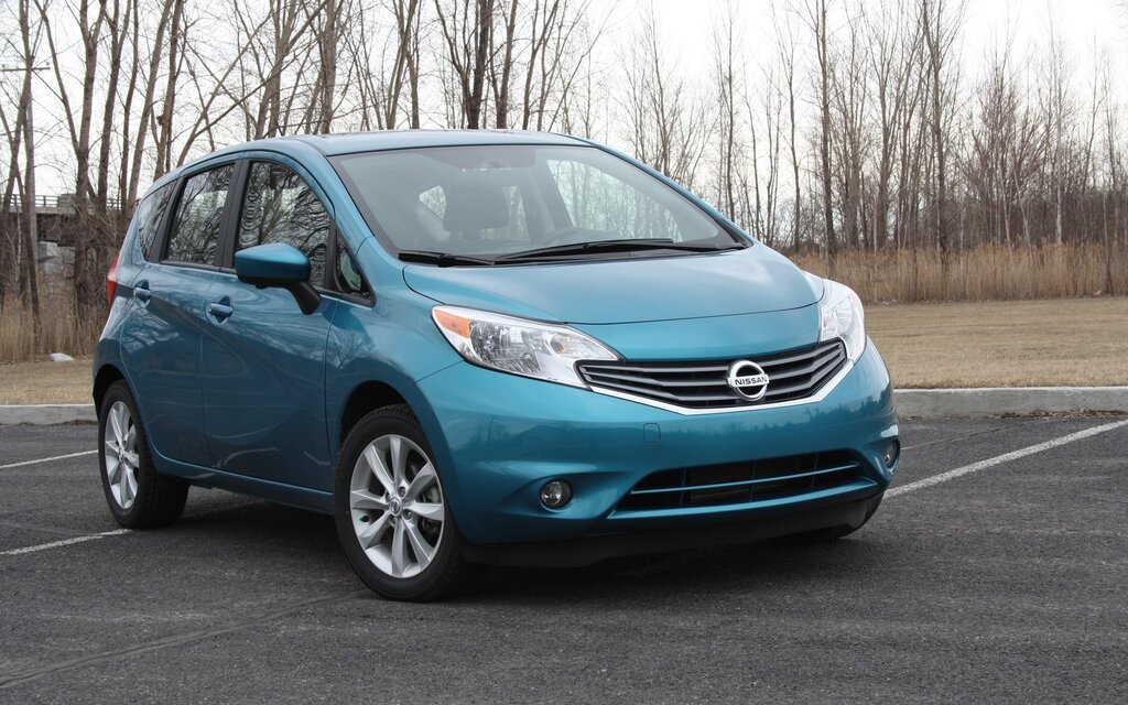 2017 nissan versa note s hatchback specifications the. Black Bedroom Furniture Sets. Home Design Ideas