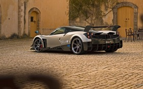 2017 Pagani Huayra Base Specifications - The Car Guide
