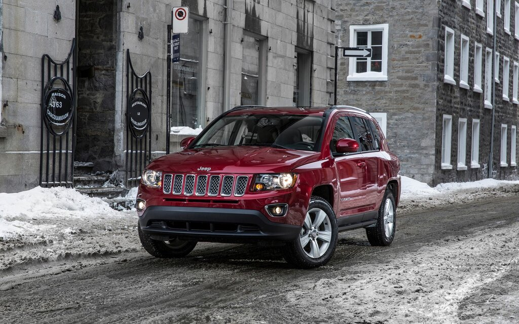 sp cifications jeep compass north 4rm auto 2017 guide auto. Black Bedroom Furniture Sets. Home Design Ideas