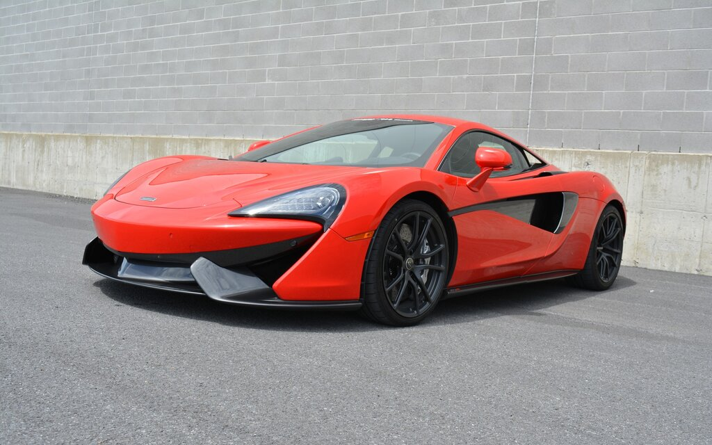 2017 McLaren 570S Coupe Specifications