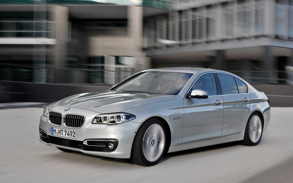 sp cifications bmw s rie 5 540i xdrive 2017 guide auto. Black Bedroom Furniture Sets. Home Design Ideas