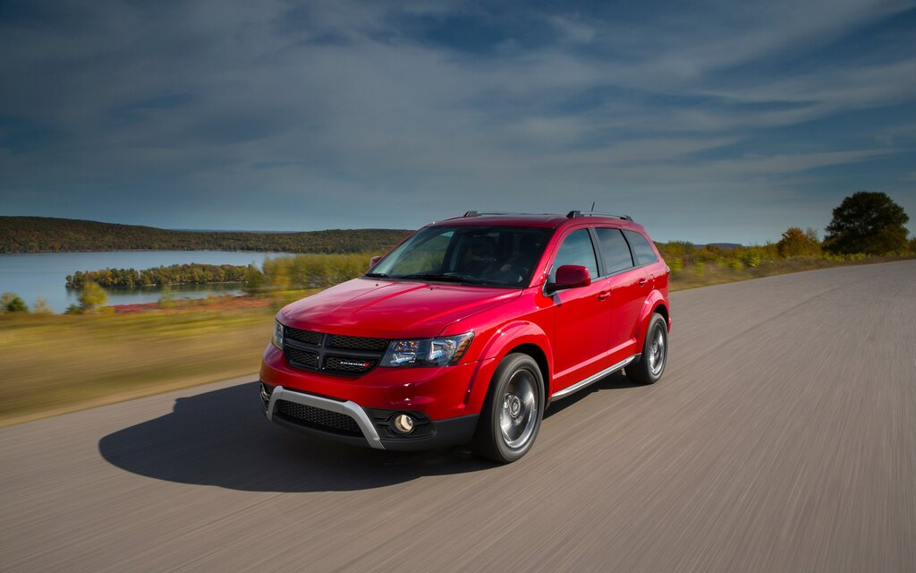 at pm daily test dodge shot crossroad journey drive awd the screen
