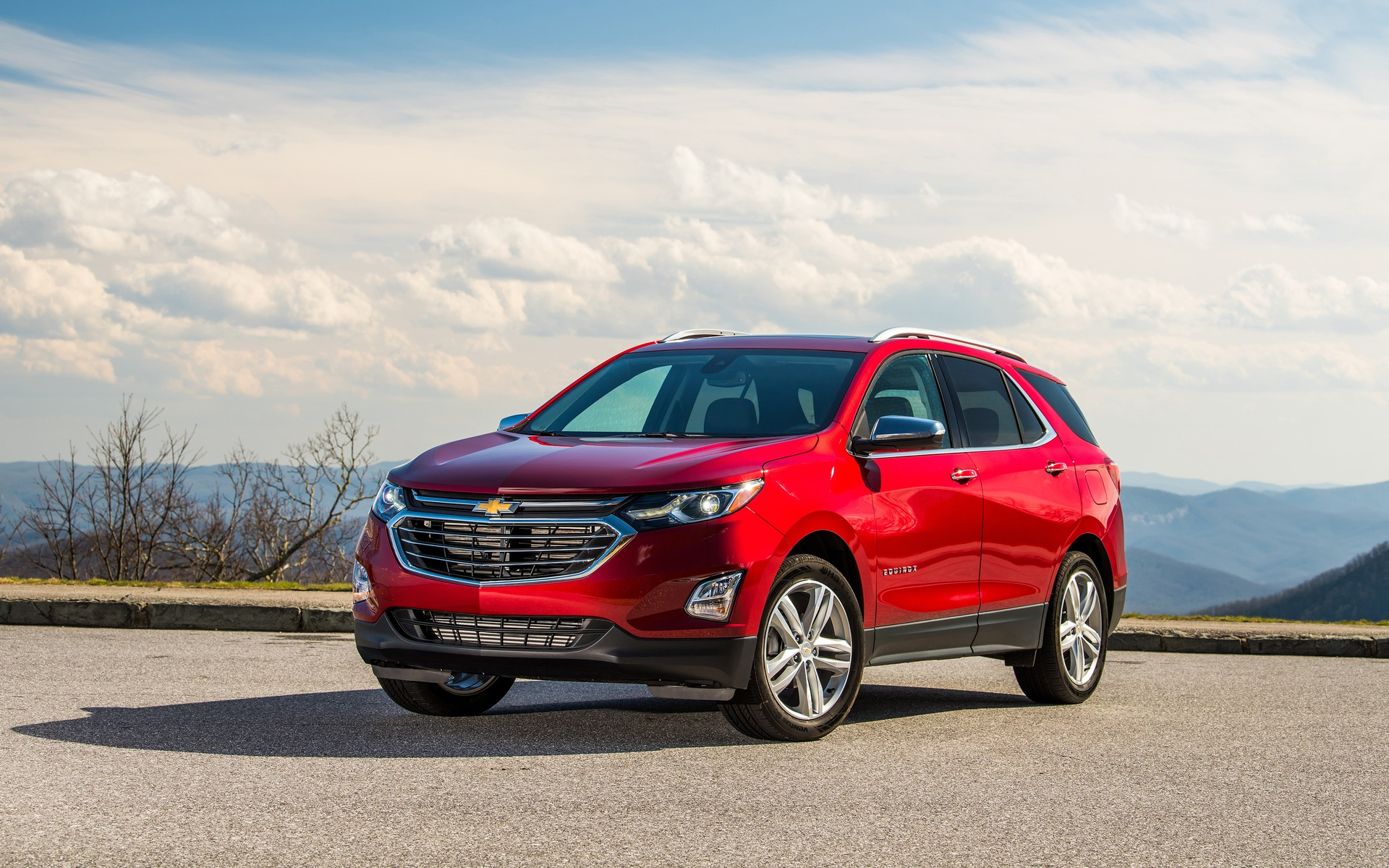 Used Chevy Equinox >> 2018 Chevrolet Equinox photos - 1/3 - The Car Guide