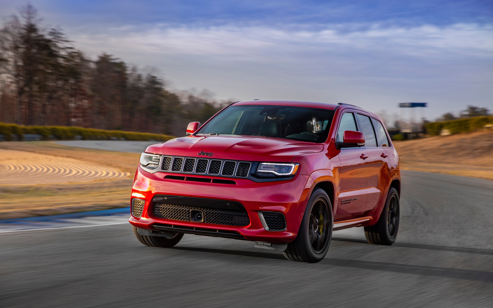 rating cherokee cars trend grand and jeep reviews overland front motor three quarters