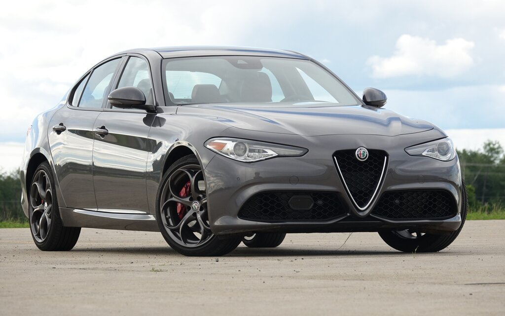 2018 alfa romeo giulia base specifications the car guide. Black Bedroom Furniture Sets. Home Design Ideas