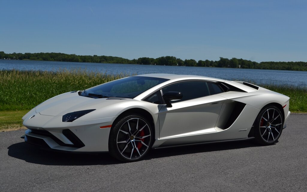 2018 Lamborghini Aventador News Reviews Picture Galleries And