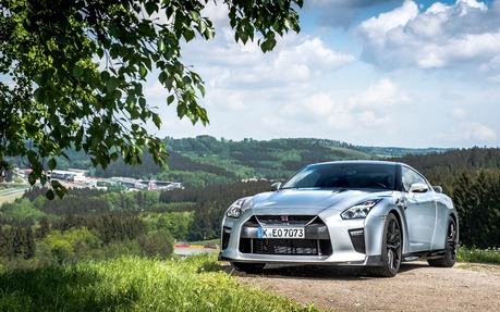 2018 Nissan GT R Premium   Price, Engine, Full Technical Specifications    The Car Guide / Motoring TV