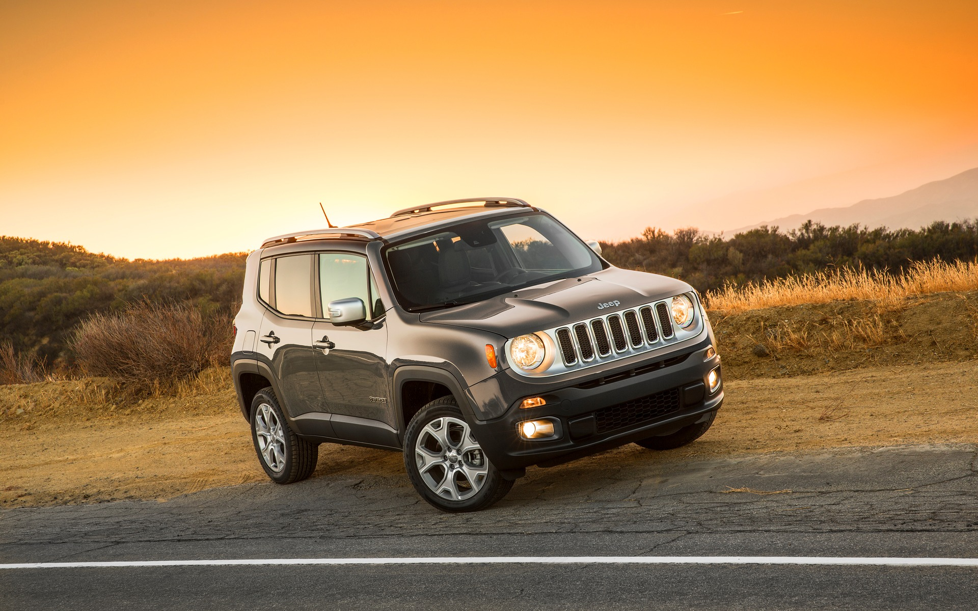 jeep renegade 2018 essais actualit galeries photos et vid os guide auto. Black Bedroom Furniture Sets. Home Design Ideas