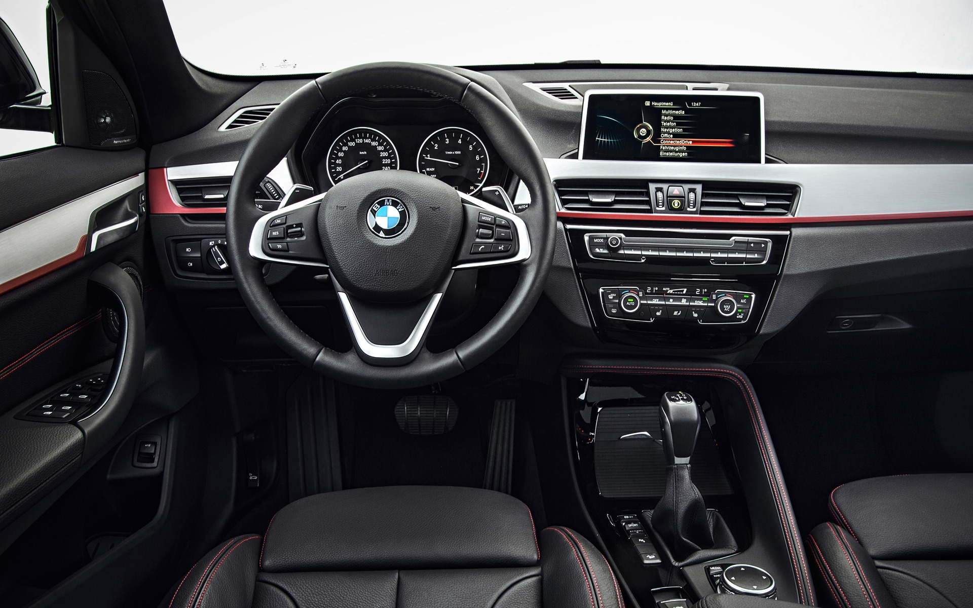 photos bmw x1 2018 3 3 guide auto. Black Bedroom Furniture Sets. Home Design Ideas