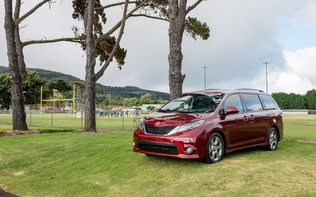 2018 Toyota Sienna - News, reviews, picture galleries and
