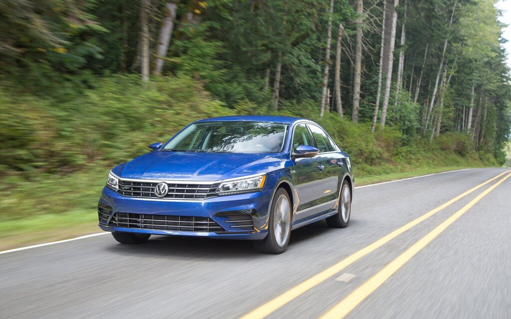 2018 volkswagen passat highline 3 6 specifications the car guide. Black Bedroom Furniture Sets. Home Design Ideas
