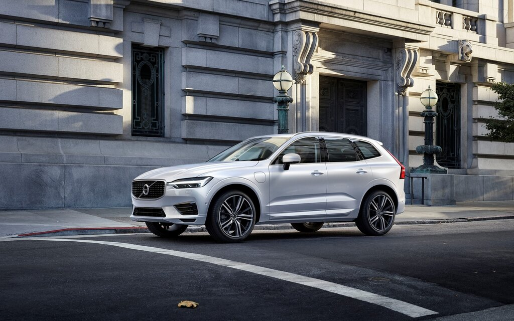 2018 Volvo XC60 R-Design T8 eAWD Specifications - The Car Guide