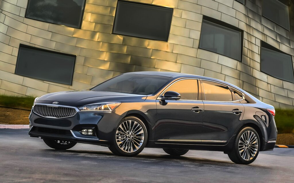 2018 kia cadenza base specifications the car guide. Black Bedroom Furniture Sets. Home Design Ideas