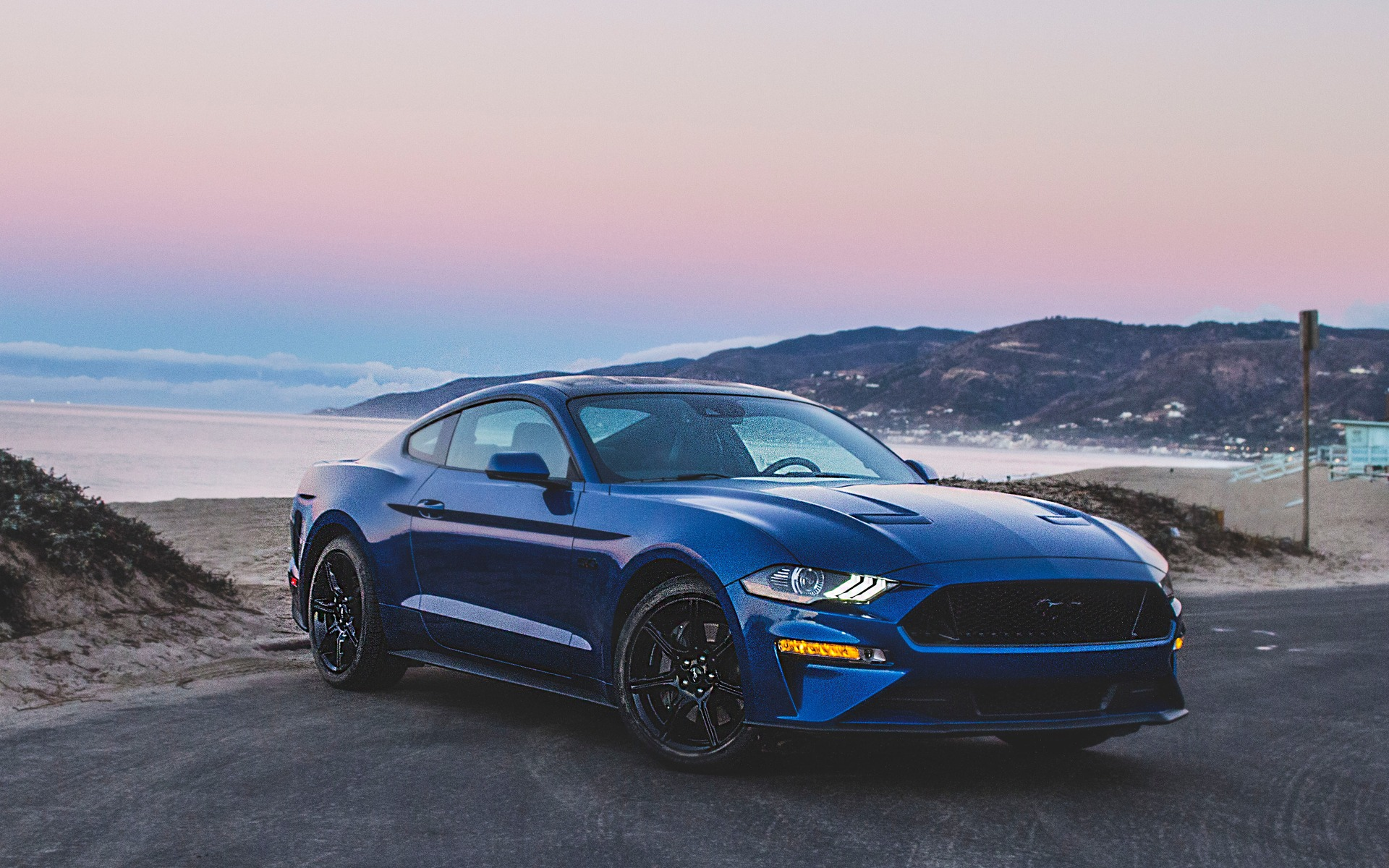 2018 Ford Mustang Photos 1 7 The Car Guide