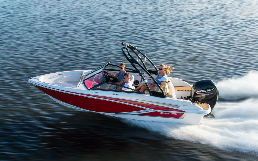 2018 glastron gt 180 ob tests news photos videos and wallpapers rh guideautoweb com Used Glastron Boats Glastron Logo