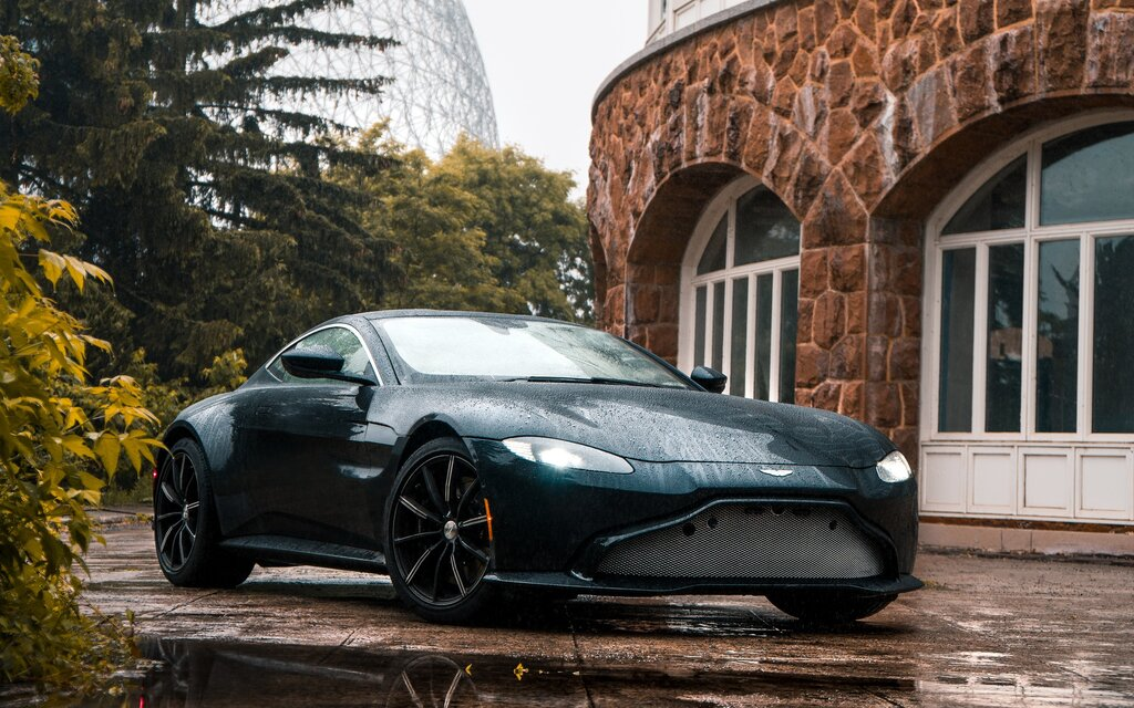 2019 Aston Martin Vantage Coupe Specifications The Car Guide