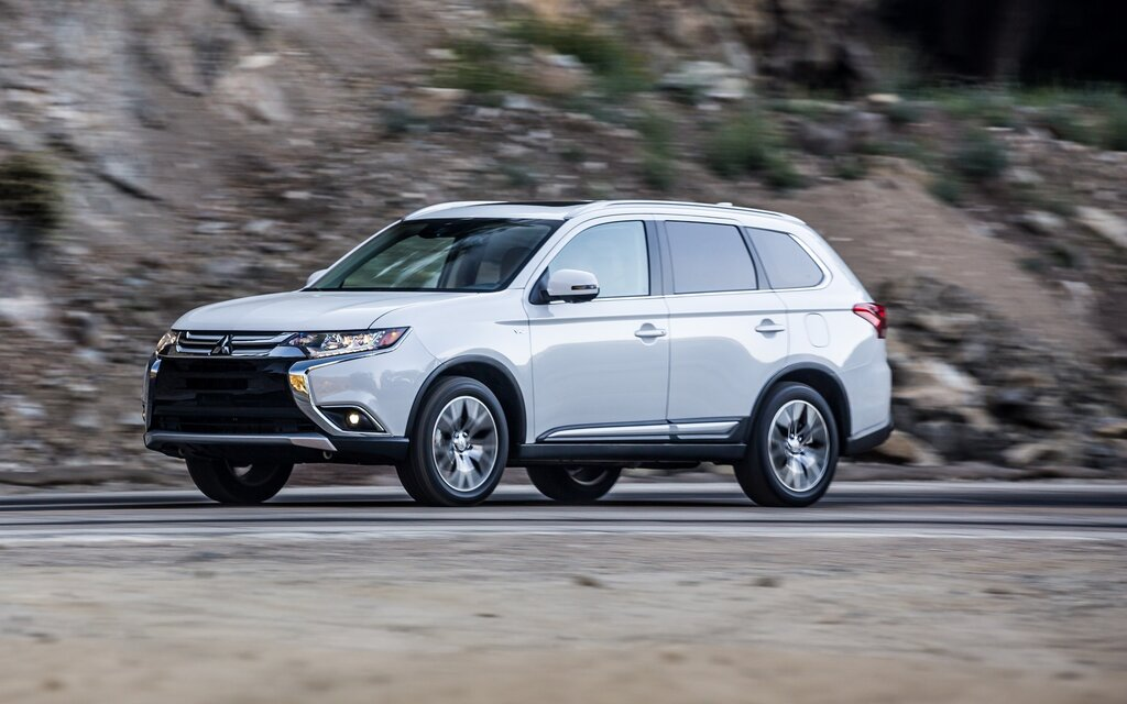 2019 Mitsubishi Outlander - News, reviews, picture galleries and