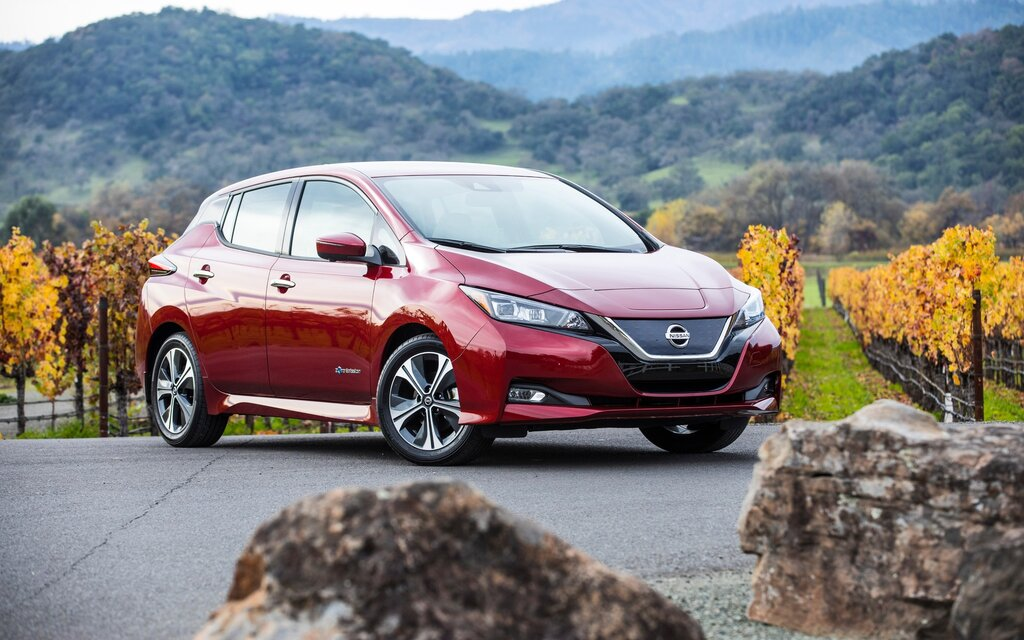 2019 nissan leaf news reviews picture galleries and videos the car guide. Black Bedroom Furniture Sets. Home Design Ideas