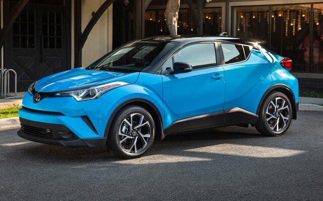 2019 Toyota C-HR XLE Specifications - The Car Guide