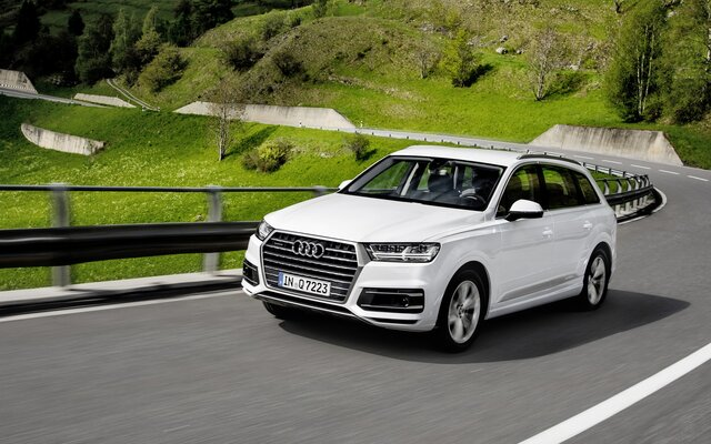 2019 Audi Q7 45 TFSI quattro Komfort tiptronic Specifications - The