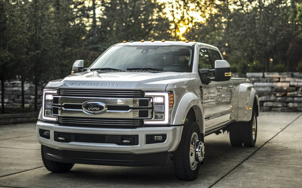 2019 Ford Super Duty F-450 - News, reviews, picture