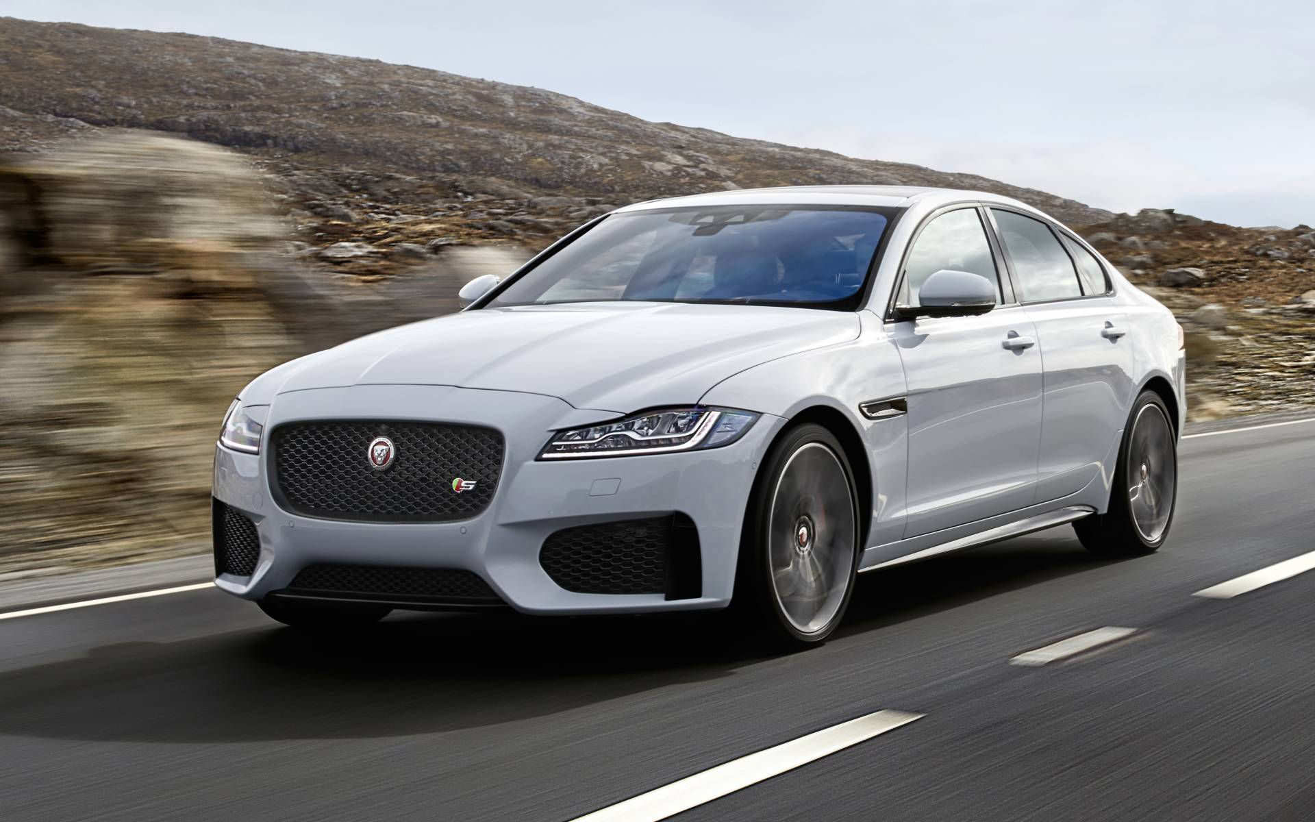2020 Jaguar XF Specs