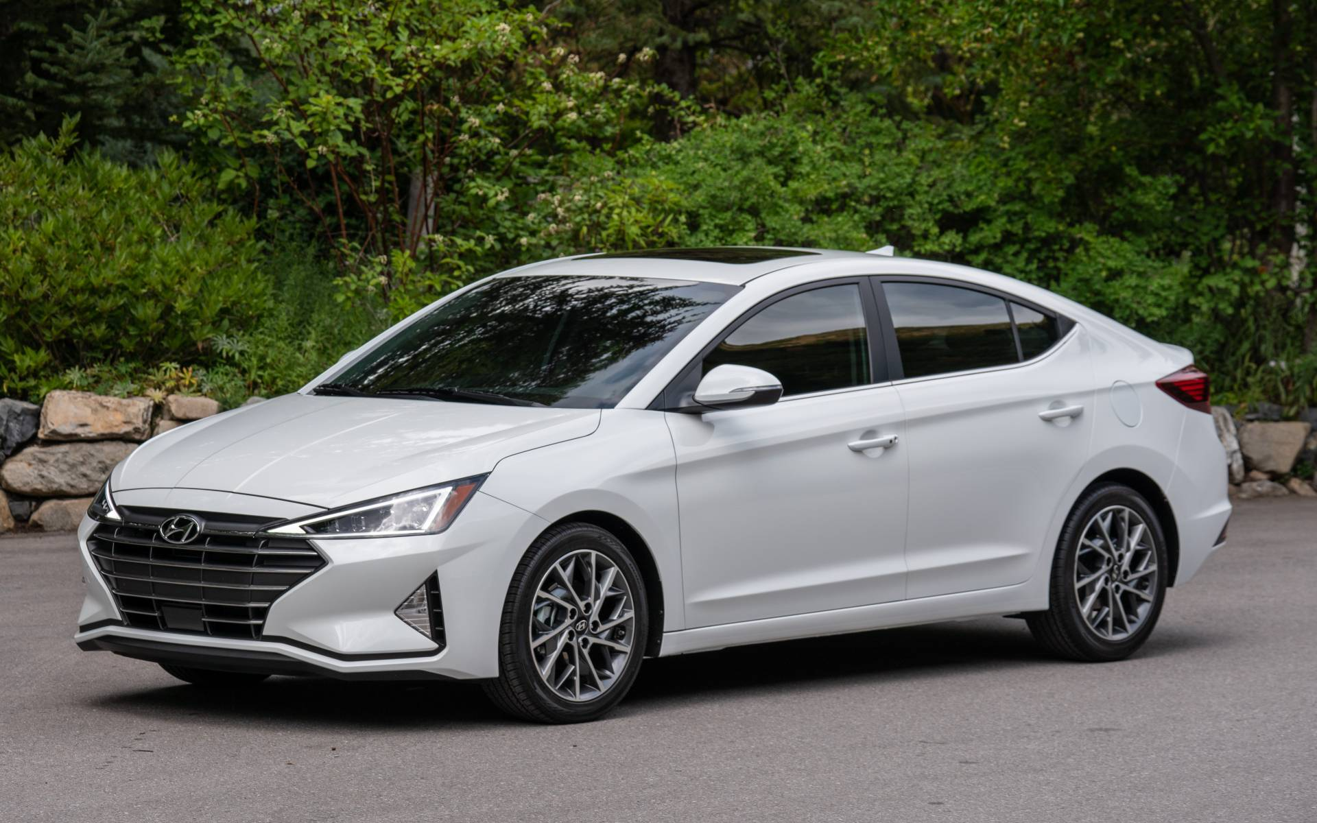 2020 hyundai elantra news reviews picture galleries and videos the car guide 2020 hyundai elantra news reviews