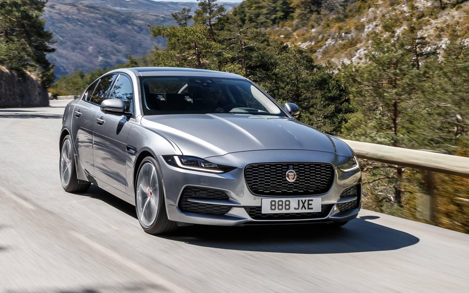 2020 Jaguar XE photos - 1/6 - The Car Guide