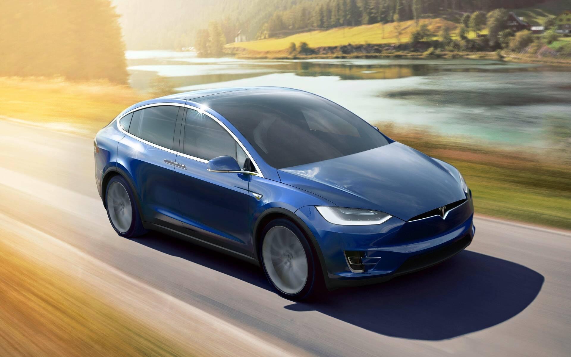 Tesla : la model 3 dévoilée - II - Page 13 402549-2021-tesla-model-x