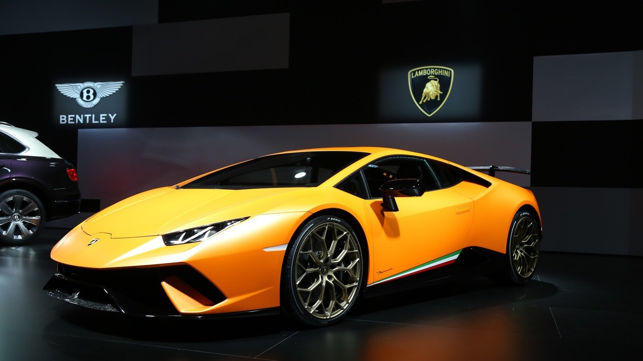 video the new lamborghini huracan performante the car guide motoring tv. Black Bedroom Furniture Sets. Home Design Ideas